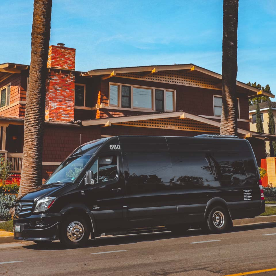 Lax Airport Car Rental: Corporate Shuttle Limo Party Bus Service In Los Angeles